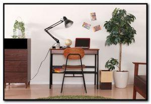 Meja kerja sederhana