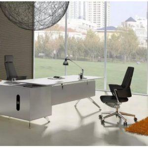meja kerja direksi